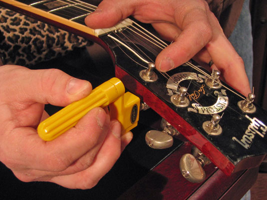 how to restring an electric guitar dummies. Black Bedroom Furniture Sets. Home Design Ideas
