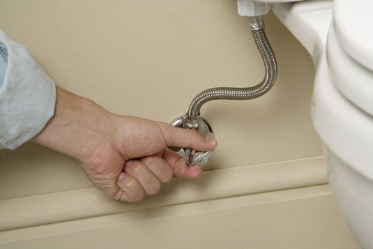 How to Fix a Leaky Toilet Tank - dummies