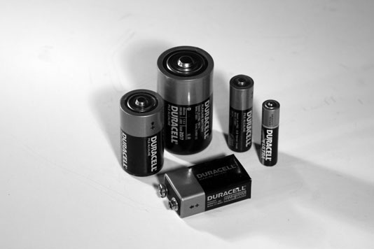 Cylindrical Batteries Come In Four Standard Sizes Aaa Aa C And D Regardless Of The Size These Provide 1 5 V Each Only Difference