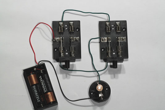 Electronics Projects: How to Build a Three Way Lamp Switch