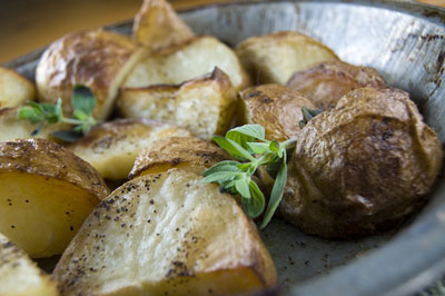 Wilting accents can ruin a food shoot. [Credit: Focal length: 28mm, Shutter speed: 1/125 sec., Aper