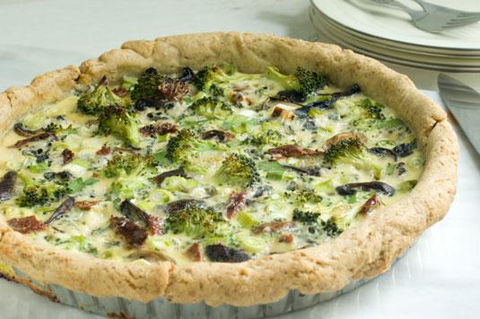 Chia quiche with broccoli and mushroom.