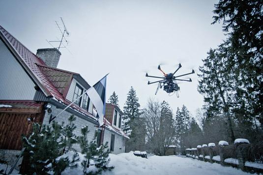 Great action shots taken by drones. [Credit: Source: Ville Hyvönen/Creative Commons]