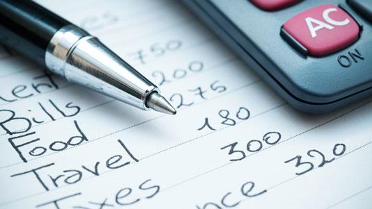 financial-advisor-household-expenses